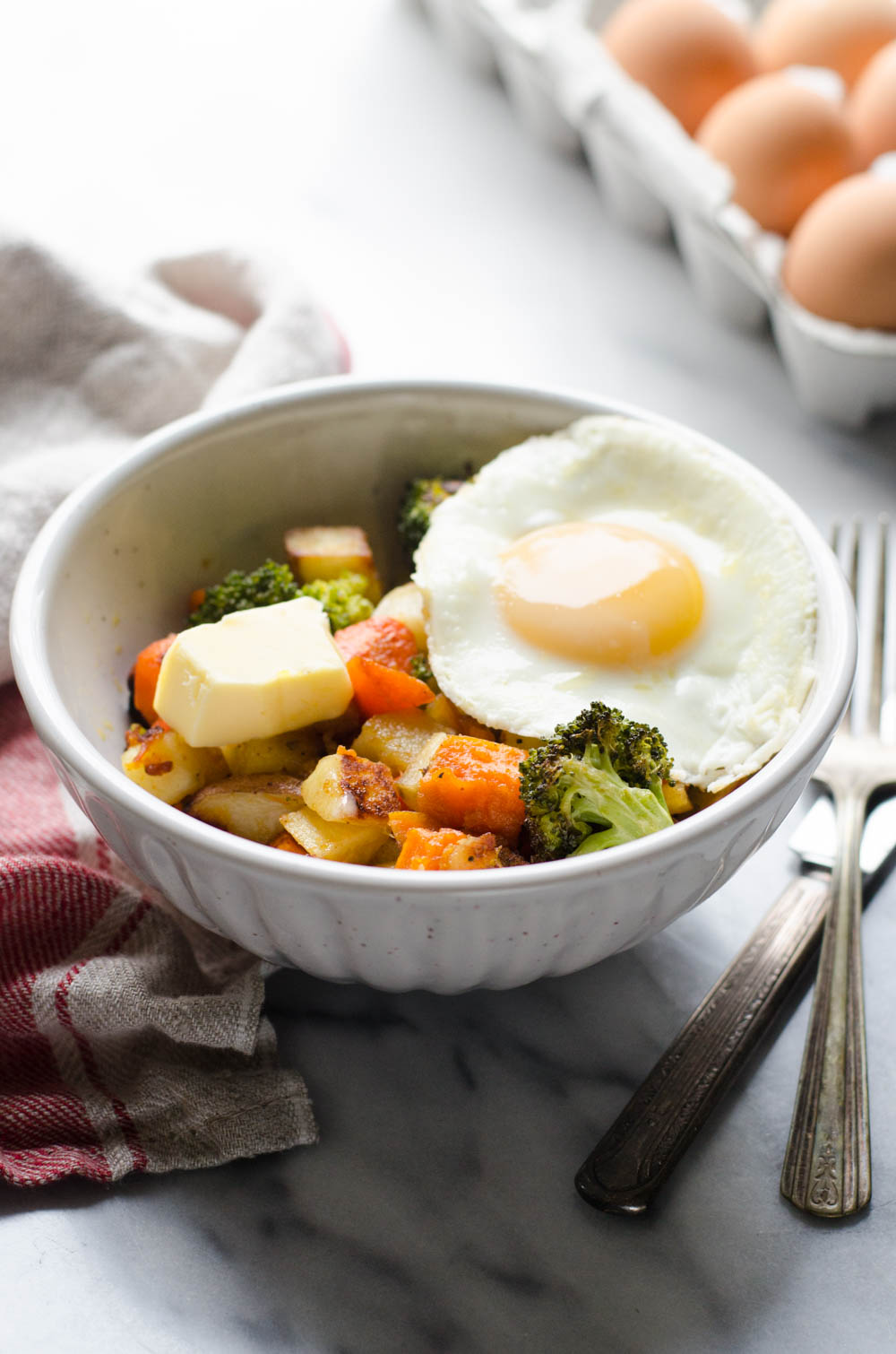 Roasted Veggie Breakfast Bowls (Paleo and Whole30 Friendly)