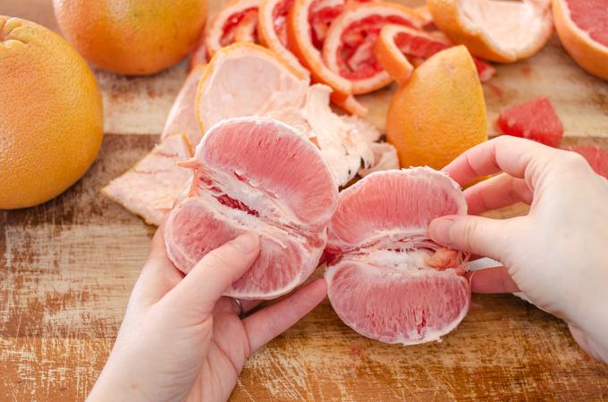 How to eat a grapefruit like an orange.