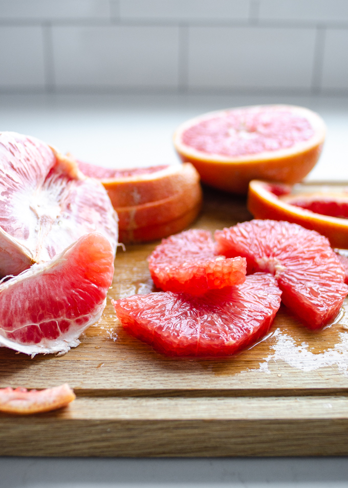 Different ways to cut a grapefruit.